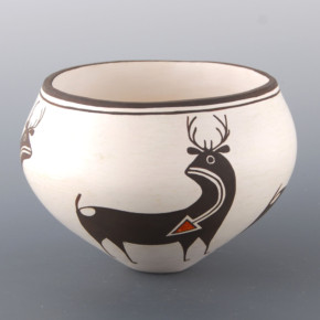 Lewis, Carmel  – Bowl with Heartline Deer