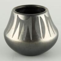 Tafoya, Donicia – Jar with Plant Design