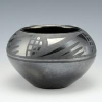 Sanchez, Desideria – Bowl with Bird Wing Motif