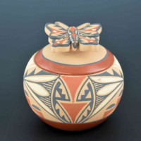 Eteeyan, Mary Louise – Bowl with Butterfly Lid