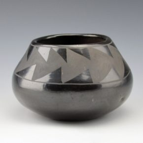 Pena, Isabel – Bowl with Mountain Designs (1930's)