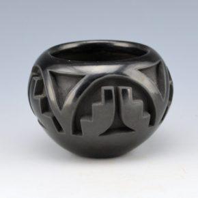Velarde, Carol – Carved Bowl with Kiva Step Designs