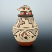 Medina, Elizabeth & Marcellus – Jar with Feather Design & Turtle Lid