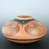 Quotskuyva, Dextra – Large Jar with Bat Wing Design