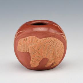 Haungooah, Art Cody – Bear in Raised Relief Bowl (1974)