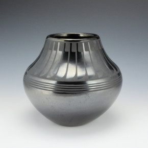 "Martinez, Maria – Gunmetal Feather Jar ""Maria Popovi 766"""