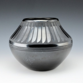 Martinez, Maria  – Bowl with Feather Pattern (Maria + Santana)