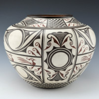 Namingha, Les – Zuni Jar with Birds & Rainbirds