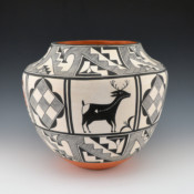 Aragon, Florence – Jar with Parrots & Deer