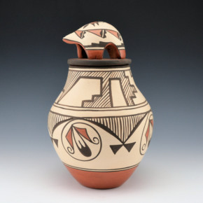 Medina, Elizabeth & Marcellus – Jar w/Feather Design & Lid