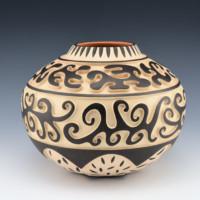 Namingha, Les – Carved Cloud Design Jar