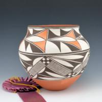 Concho, Lolita – Water Jar with Rain Designs (1979)