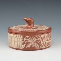 Curran, Dolores – Large Box with Butterflies and Bear Lid