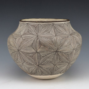 Lewis, Lucy – Jar with Fine Line Star pattern (1970's)