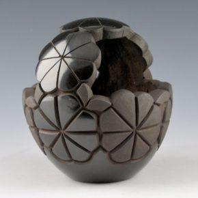 Naranjo, Madeline – Engagement Basket with Flower Design