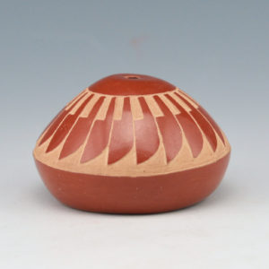 Tafoya, Camilio – Mini Seedpot Eagle Feather Pattern (1975)