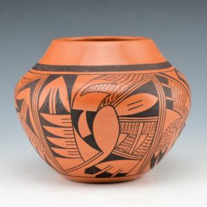Navasie, Charles – Red Jar with Parrots (1989)