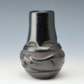 Naranjo, Reycita – Carved Jar with Avanyu