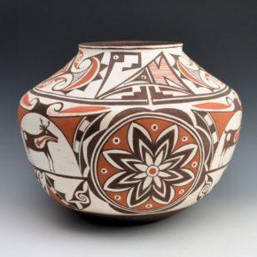 Edaakie, Tim & Bobby Silas – Zuni Jar with Deer Medallions