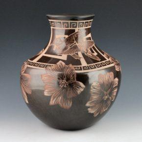 Naranjo, Johnathan – Large Jar with Hummingbirds & Flowers