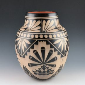Ortiz, Virgil – Traditional Cochiti Jar with Plant and Cloud Designs