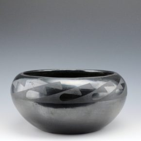 "Martinez, Maxamiliana ""Anna"" – Large Bowl with Water Designs (1930's)"