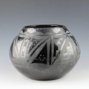 Pena, Isabel – Large Jar with Snow Patterns