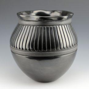 Tafoya-Sanchez, Linda – Large Jar with 55 Feathers & Fluted Rim