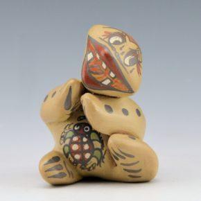 Gutierrez, Margaret & Luther – Sitting Turtle Figure (1971)