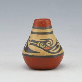 Naranjo, Pauline Gutierrez – Mini Jar with Avanyu (1973)