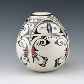 "Naha, Helen ""Featherwoman"" – Jar with Star and Bird Tails (1980's)"