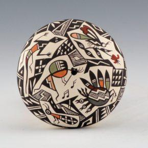 Lewis-Garcia, Diane – Seedpot with Polychrome Mimbres Animals
