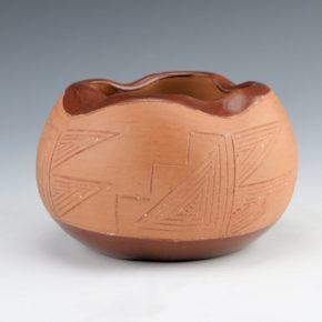 Naranjo, Dominguita Sisneros – Bowl with Incised Mesa Designs