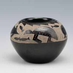 "Garcia, Gloria ""Golden Rod"" – Bowl with Turtles and Fish"