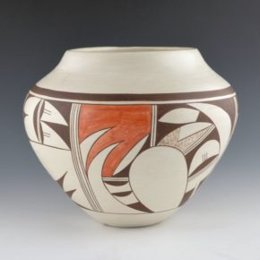 "Navasie, Joy ""Frogwoman"" – Jar with Bird Designs (1970's)"