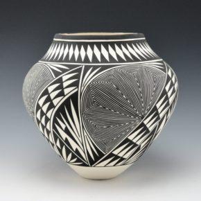 Victorino, Katherine – Jar with Turtle Shell Design
