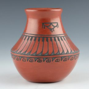 Vigil, Minnie – Red Jar with Feather Pattern (1970's)