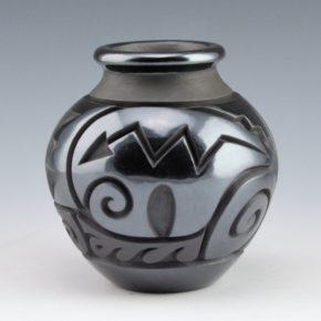 Begay, Jr., Harrison – Jar with Heartline Bears