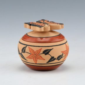 Eteeyan, Mary Louise – Mini Bowl with Butterfly Lid and Plant Designs