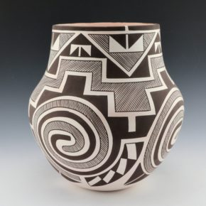 Sarracino, Myron – Long Neck Jar with Tularosa Swirl Patterns