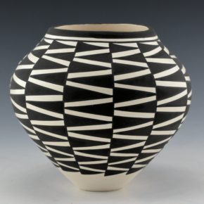 Victorino, Katherine – Jar with Zig-Zag Lightning Designs