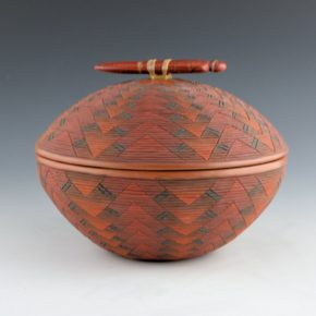 Zane Smith, Richard – Corrugated Lidded Bowl with Carved Figure (2000)