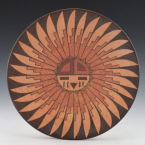 Kahe, Val – Plate with Sunface Design