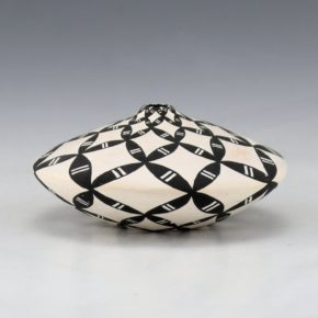 Torivio, Dorothy – Miniature Wide Jar with Yucca Leaf Design