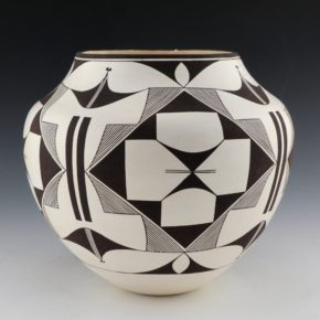 Peters, Franklin – Jar with Star & Rain Designs