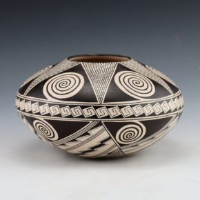 Naha, Rainy – Bowl with Awatovi Star Design