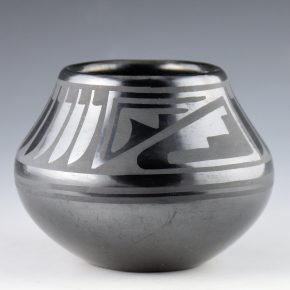 Martinez, Maria – Jar with Feather & Rain Design (Maria + Popovi, 1956-9)