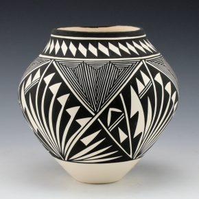 Victorino, Katherine – Jar with Plant, Cloud and Rain Designs