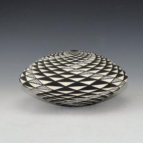 Kasero, Sr., Robert – Wide Seedpot withOp-Art Spiral Design