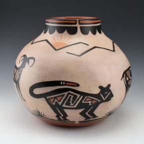 Tenorio, Robert  – Large Jar with Mountain Lions & Antelope Scene